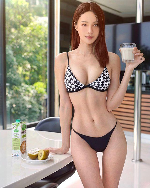 马来西亚钢琴女神李元玲,「中毒挨针」深U背心出院 福利吧 第13张