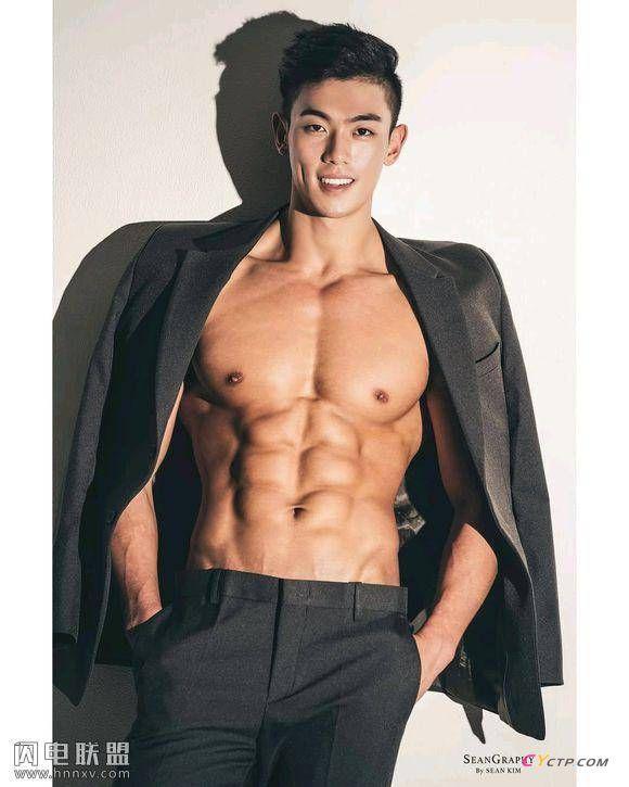 韩国帅哥肌肉迷人私房照图片