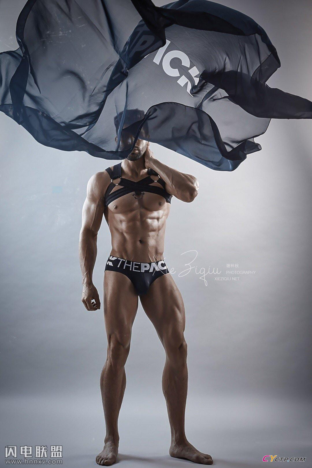 男士网站肌肉男模男体艺术写真照片