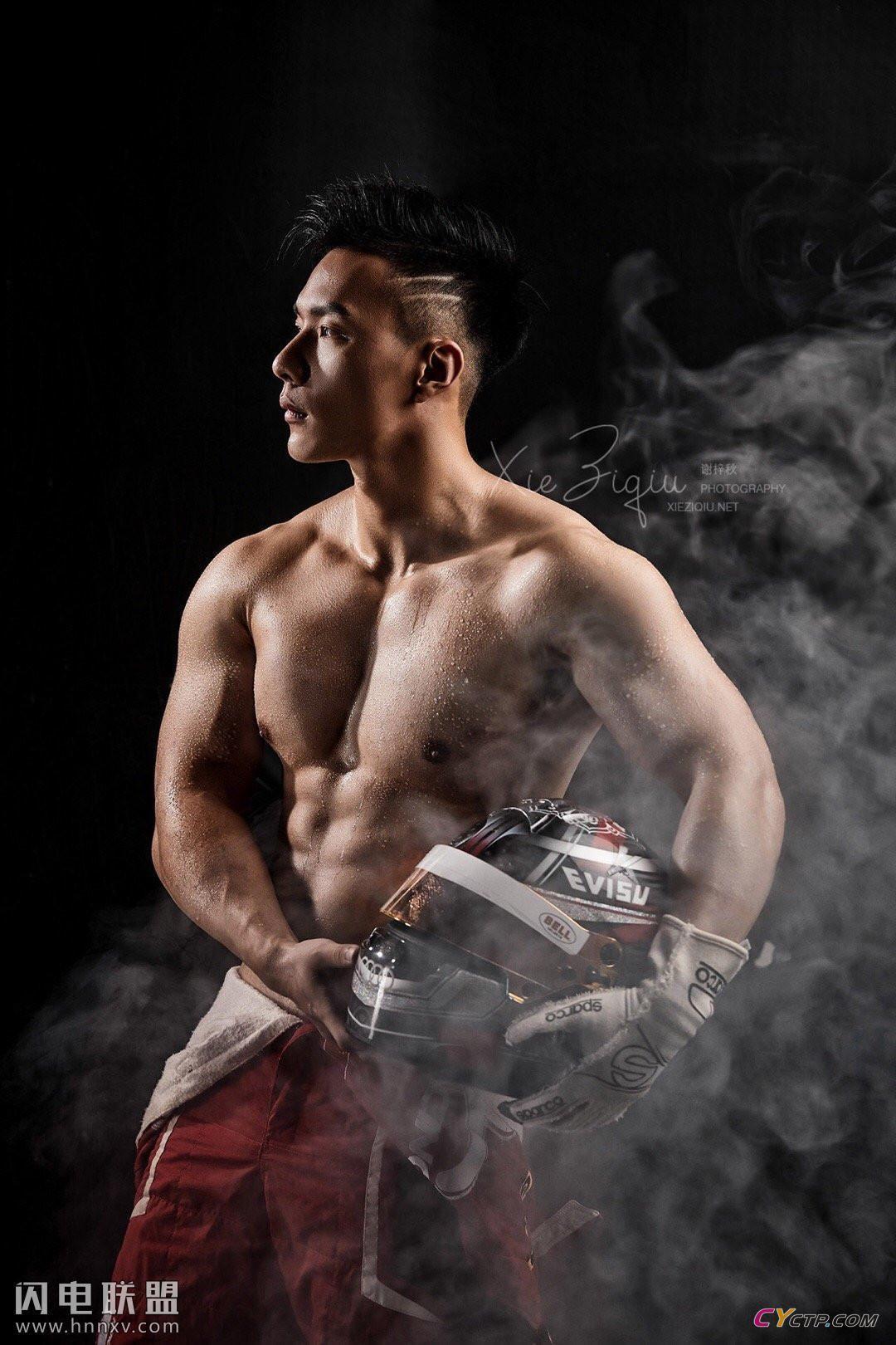 基友网肌肉男模高清私房照第3张