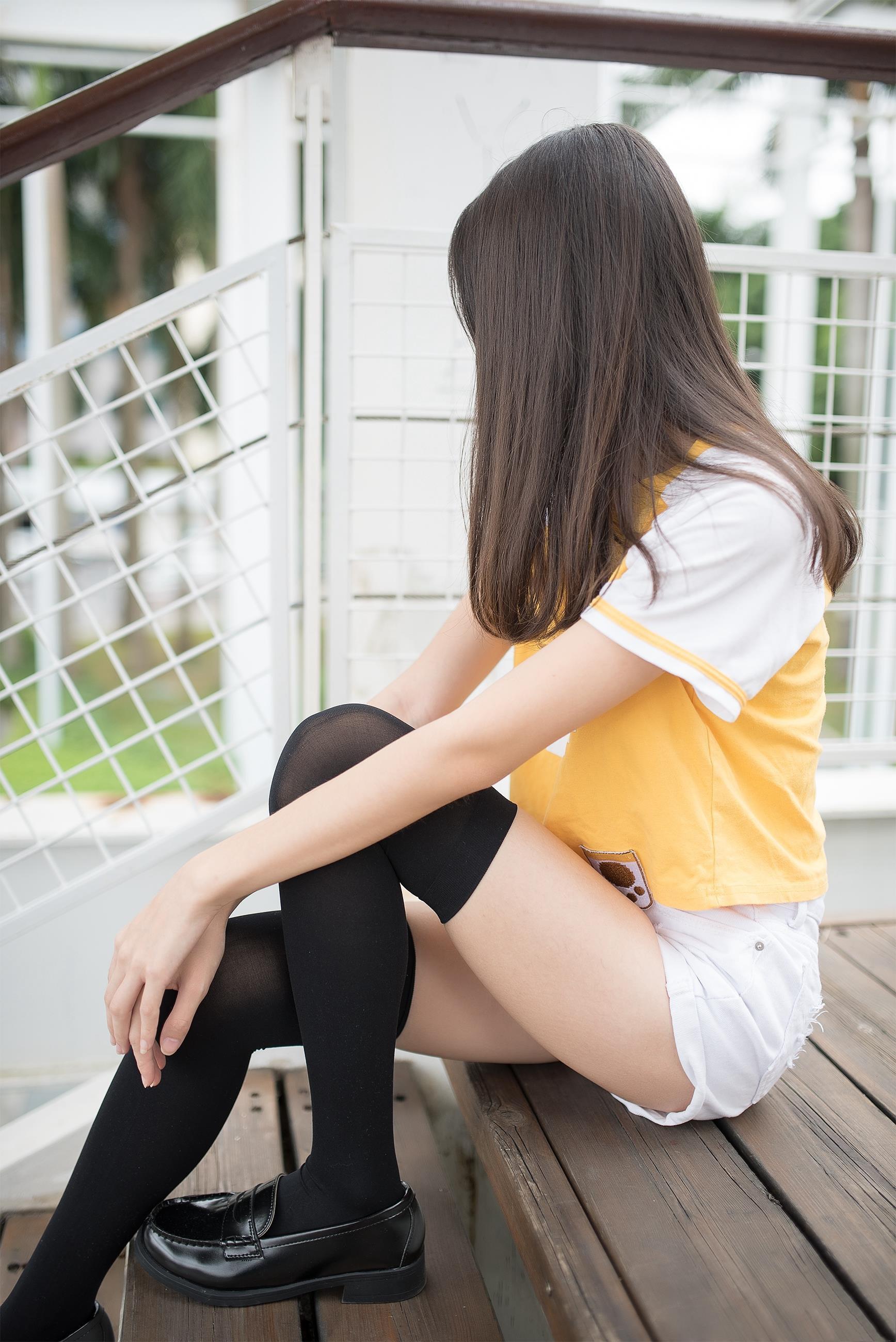 【风之领域0002】腿控福利-美少女萝莉之纯黑丝袜 带你瞬间起飞!!!-蜜桃畅享