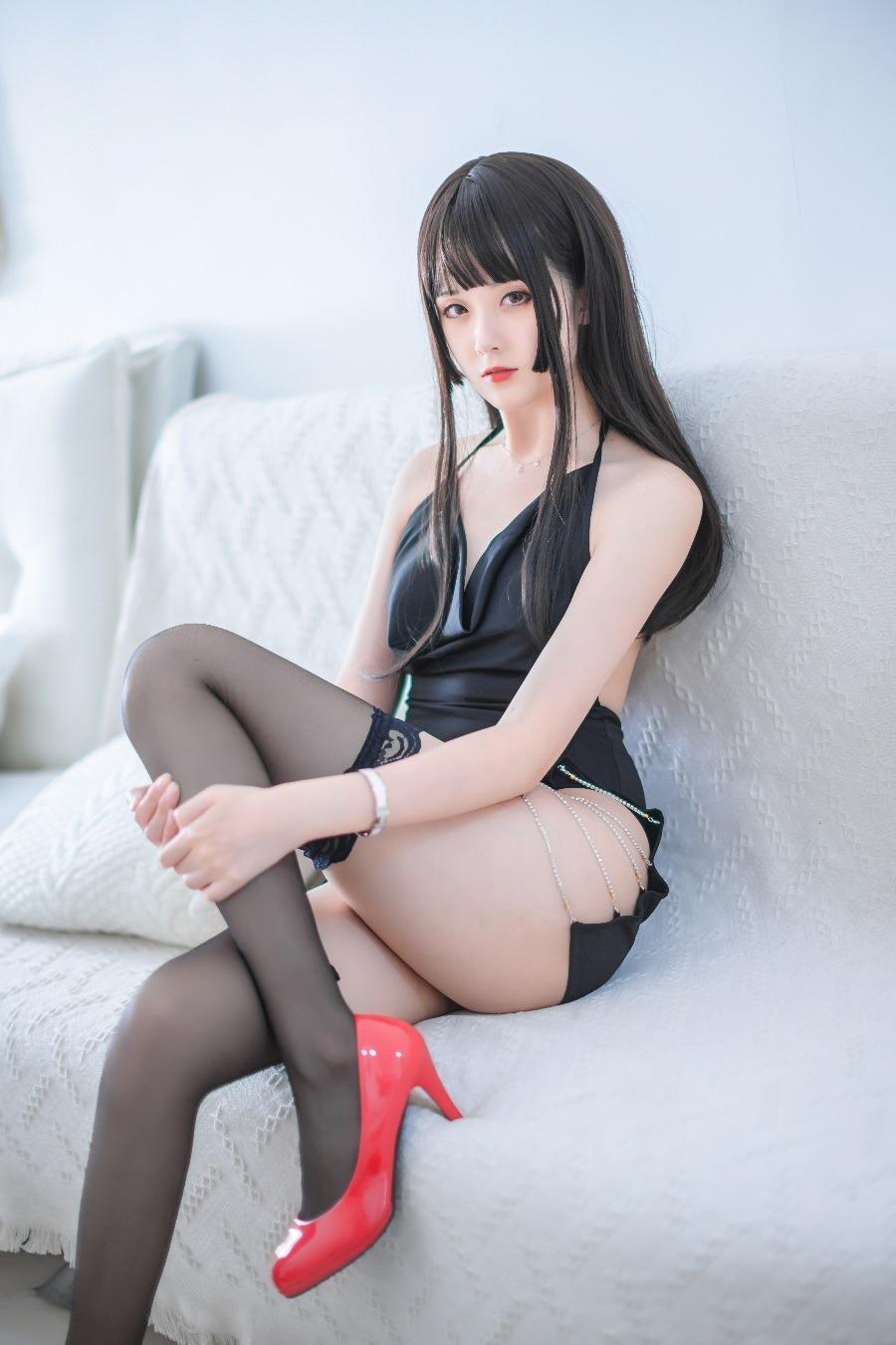 Coser妹纸@秋楚楚 最新作品 黑裙 [17P/270M]