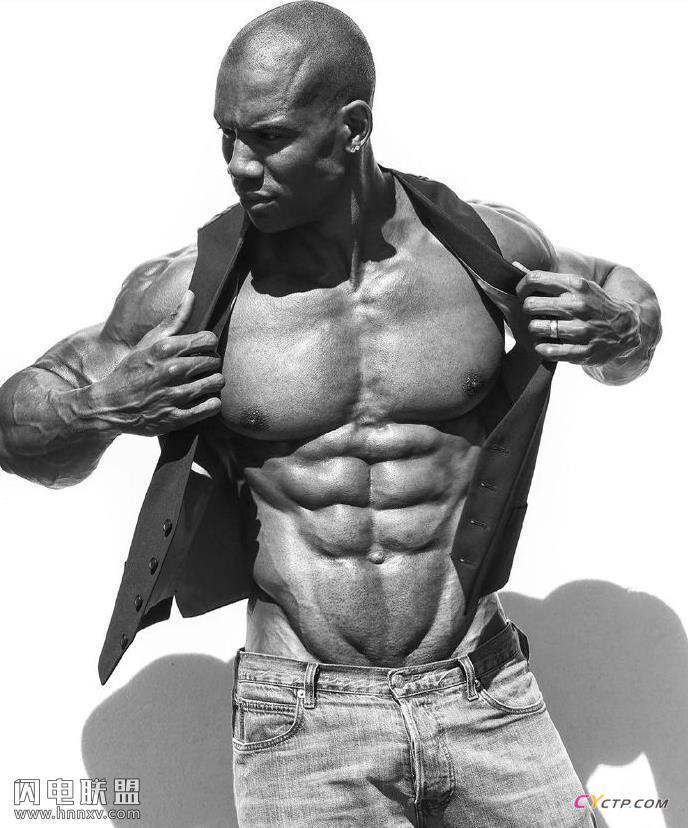 八块腹肌完美身材的性感肌肉型男黑人男模