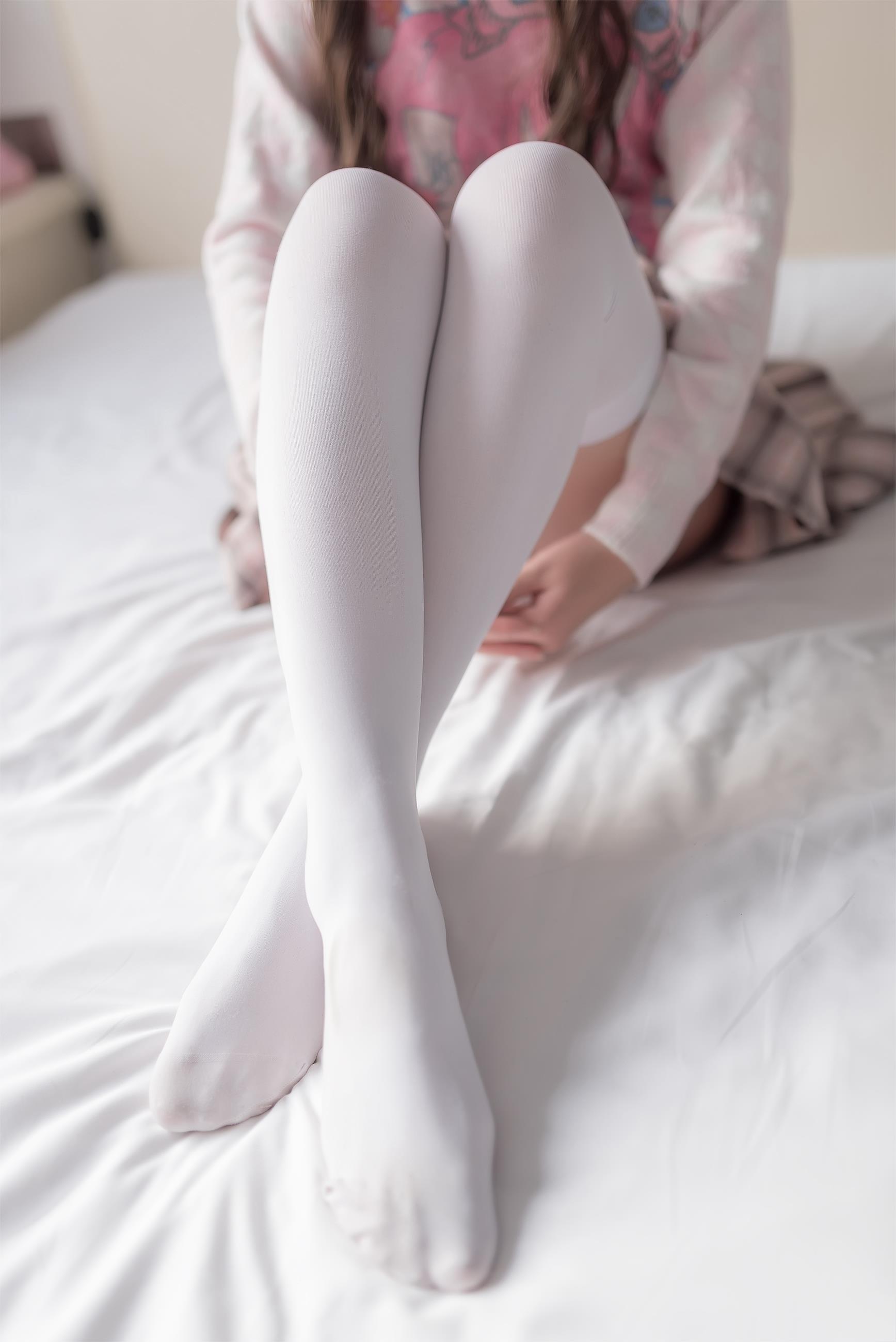 【风之领域0012】震惊 腿控福利 !纯白丝袜的既然可以这样穿?真的是天使级别
