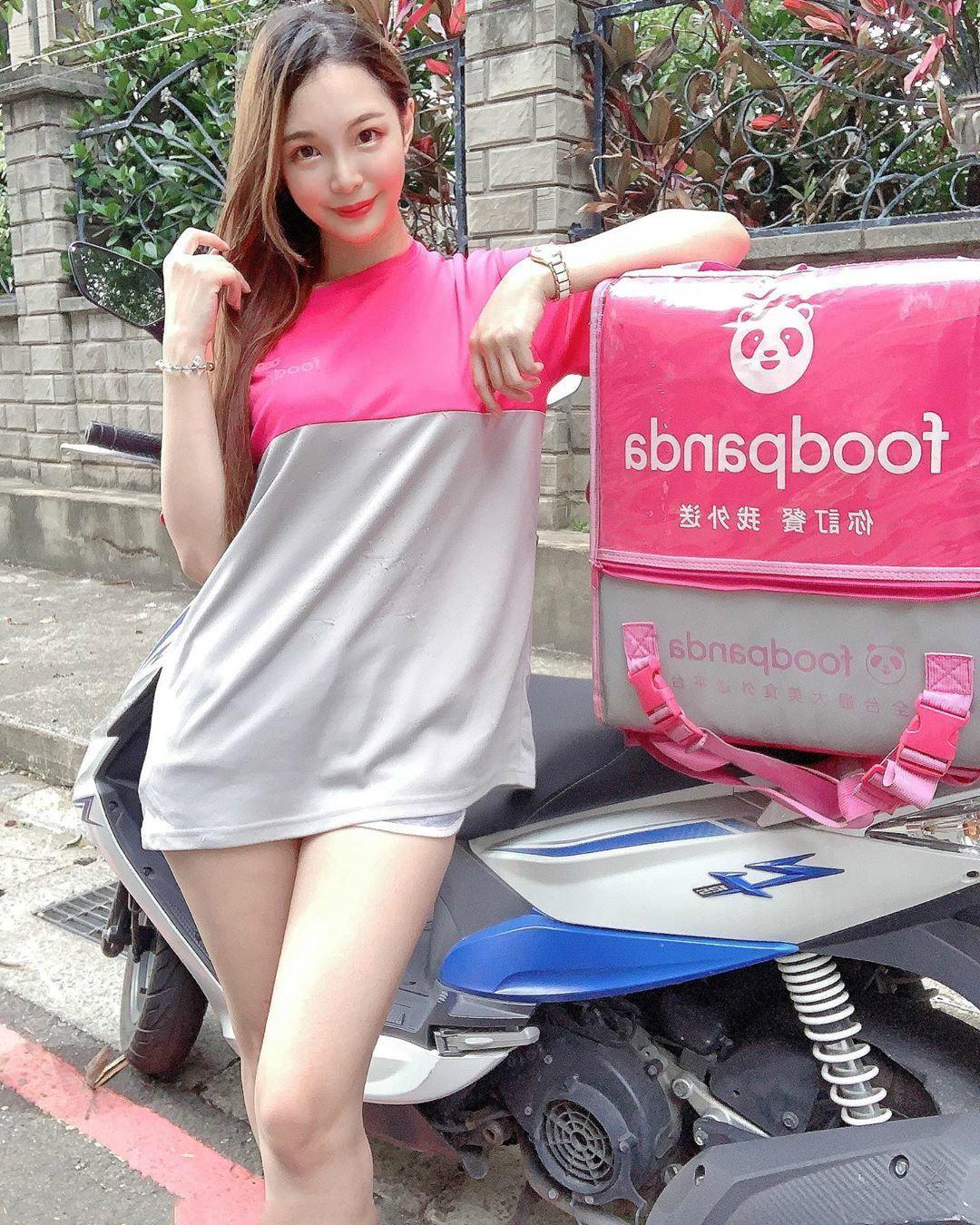 台湾「最美长腿外卖员」Michelle雪儿,4E的傲人上围非常养眼!