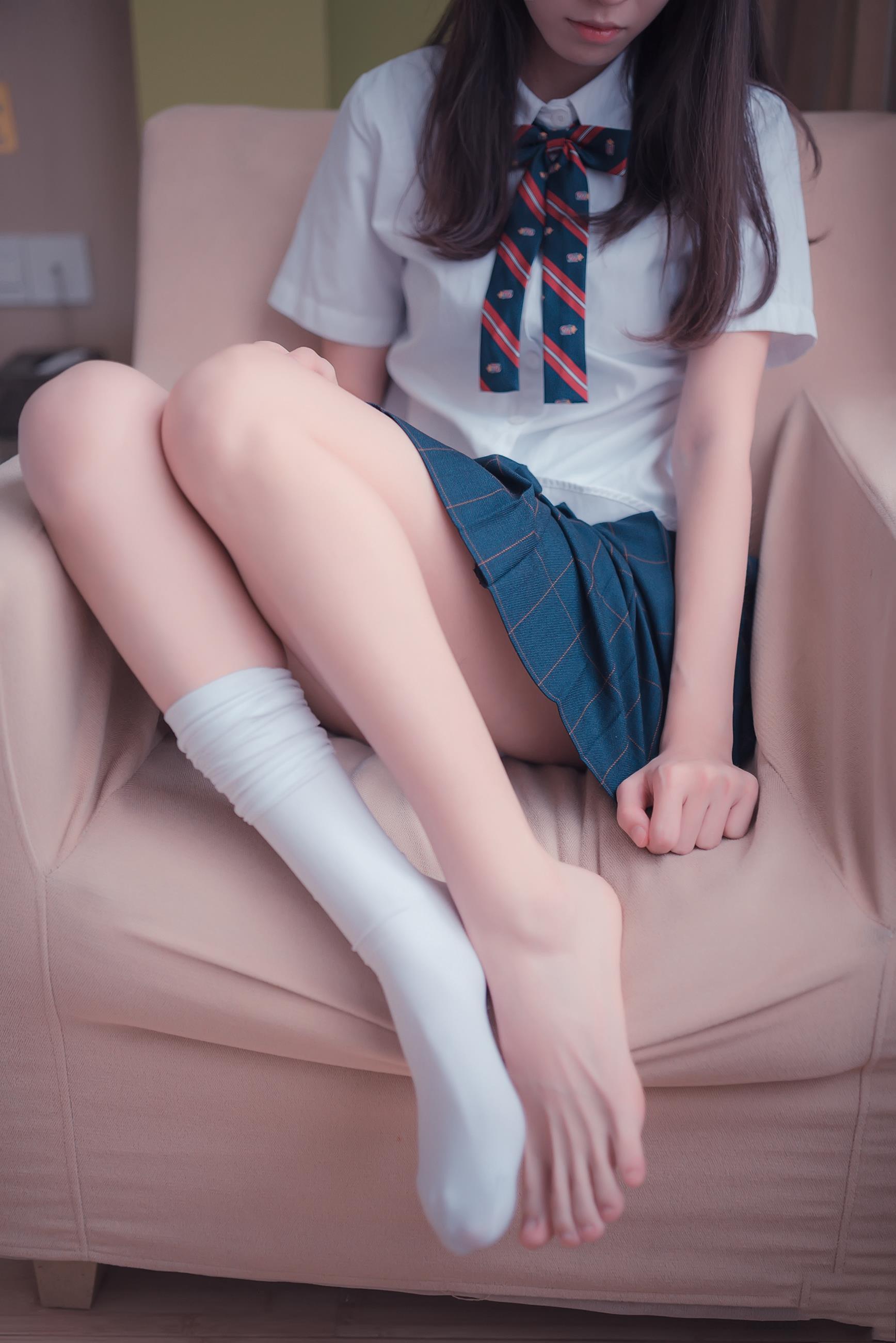 【风之领域0004】腿控福利-阳光派系校服装美少女,确定她不是来勾魂的?-蜜桃畅享