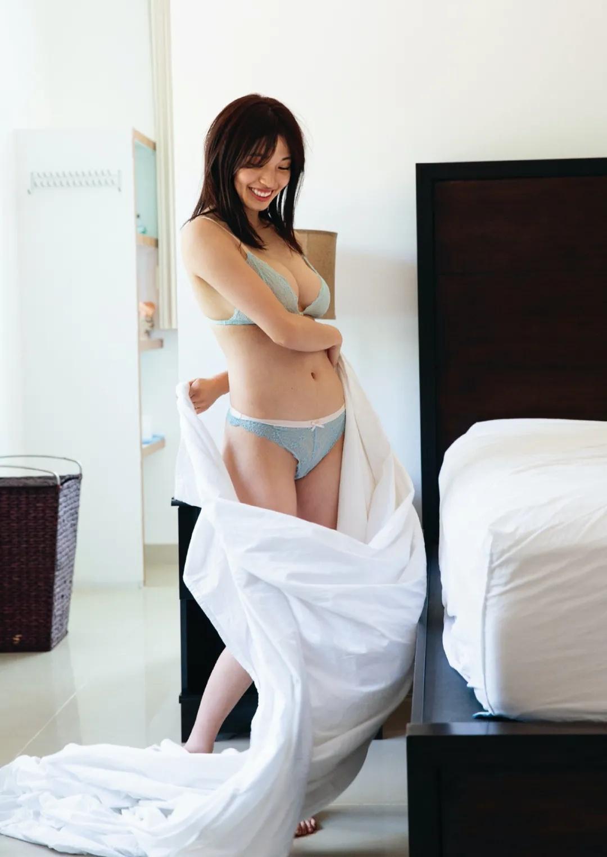 韩国F罩杯美女MIYU首本写真集《 Birth 》20歲の瞬間