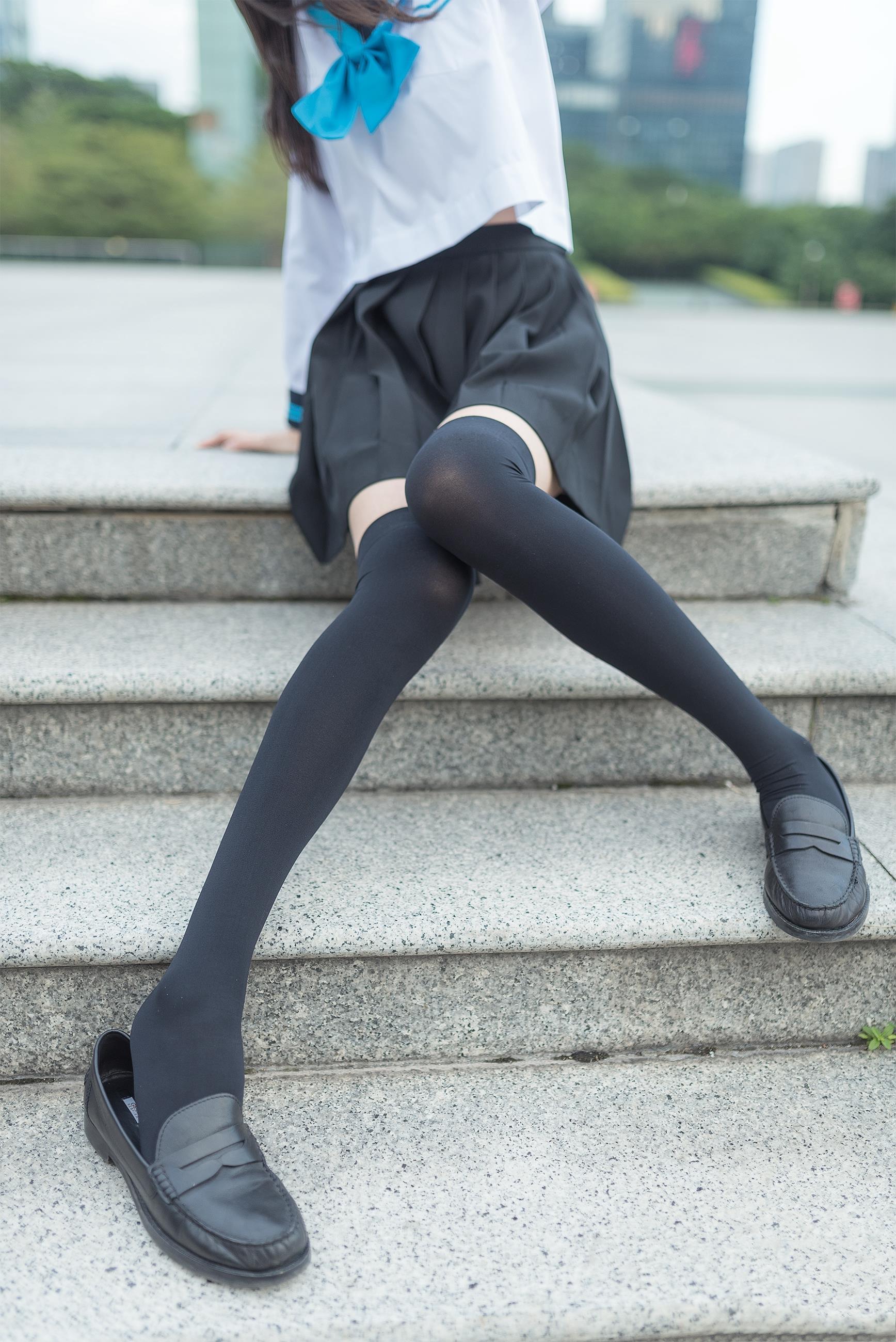 【风之领域0003】腿控福利-你的双眸准备好了吗?黑丝校园萌妹有惊喜哦!