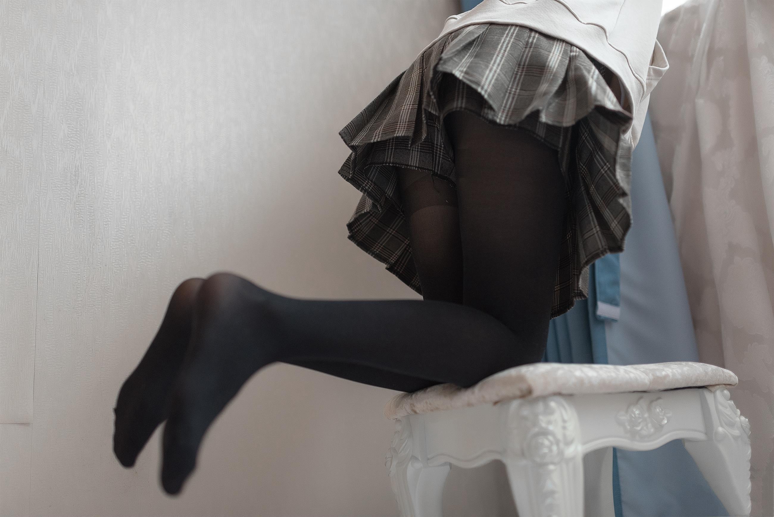 【风之领域0005】 别眨眼 销魂福利,贴身黑丝和小裙摆,真的太给力了!!!-蜜桃畅享