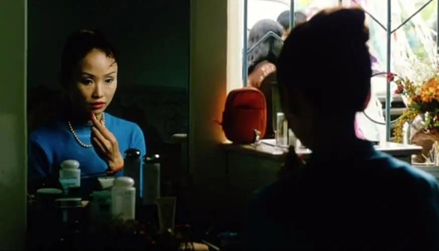 """《哭泣的女人》袒胸露乳卖毛片,她到底是不是""""不要脸的婊子""""?"""