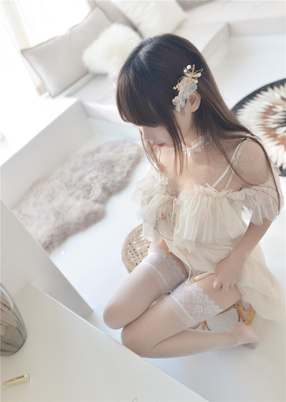 雪琪SAMA – 白色内衣私房写真作品[51P/458M]-觅爱图