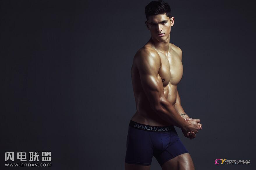 欧美完美身材男人裸体私房照