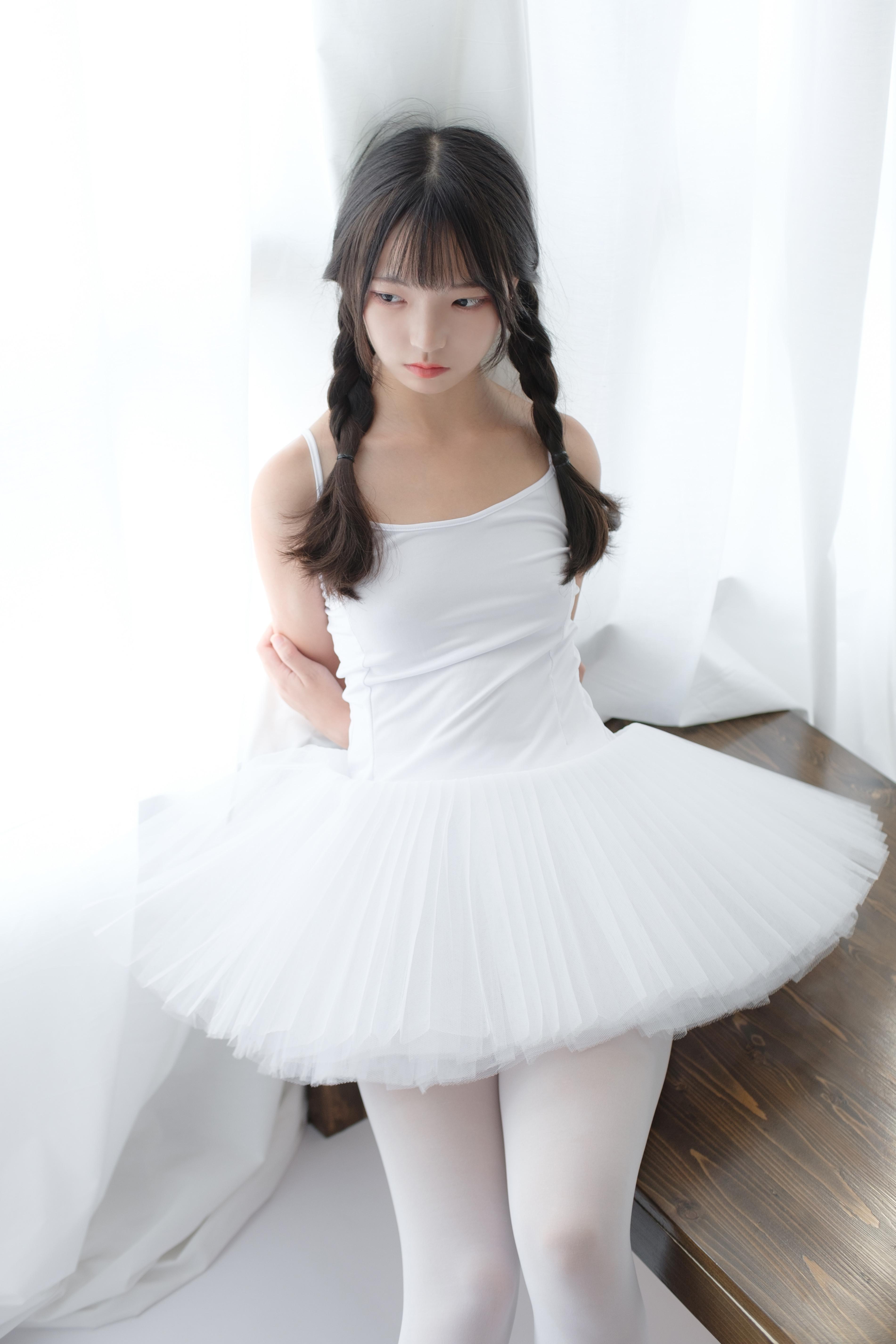 森萝财团 X-042 无水印(芭蕾舞的小天使,发觉现实中的美~~~)