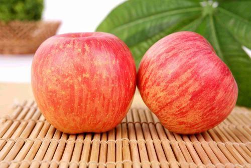 老年人最适合吃的十种水果