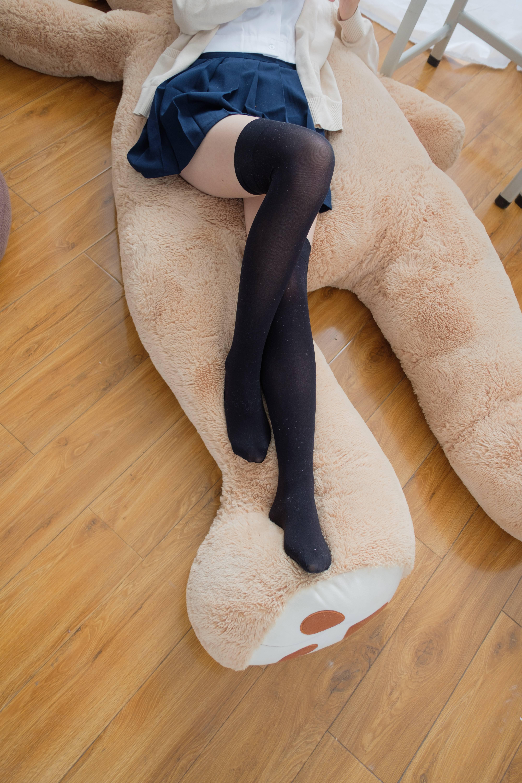 喵写真 PR15 002 无水印(好像那个熊是自己~你是吗?)