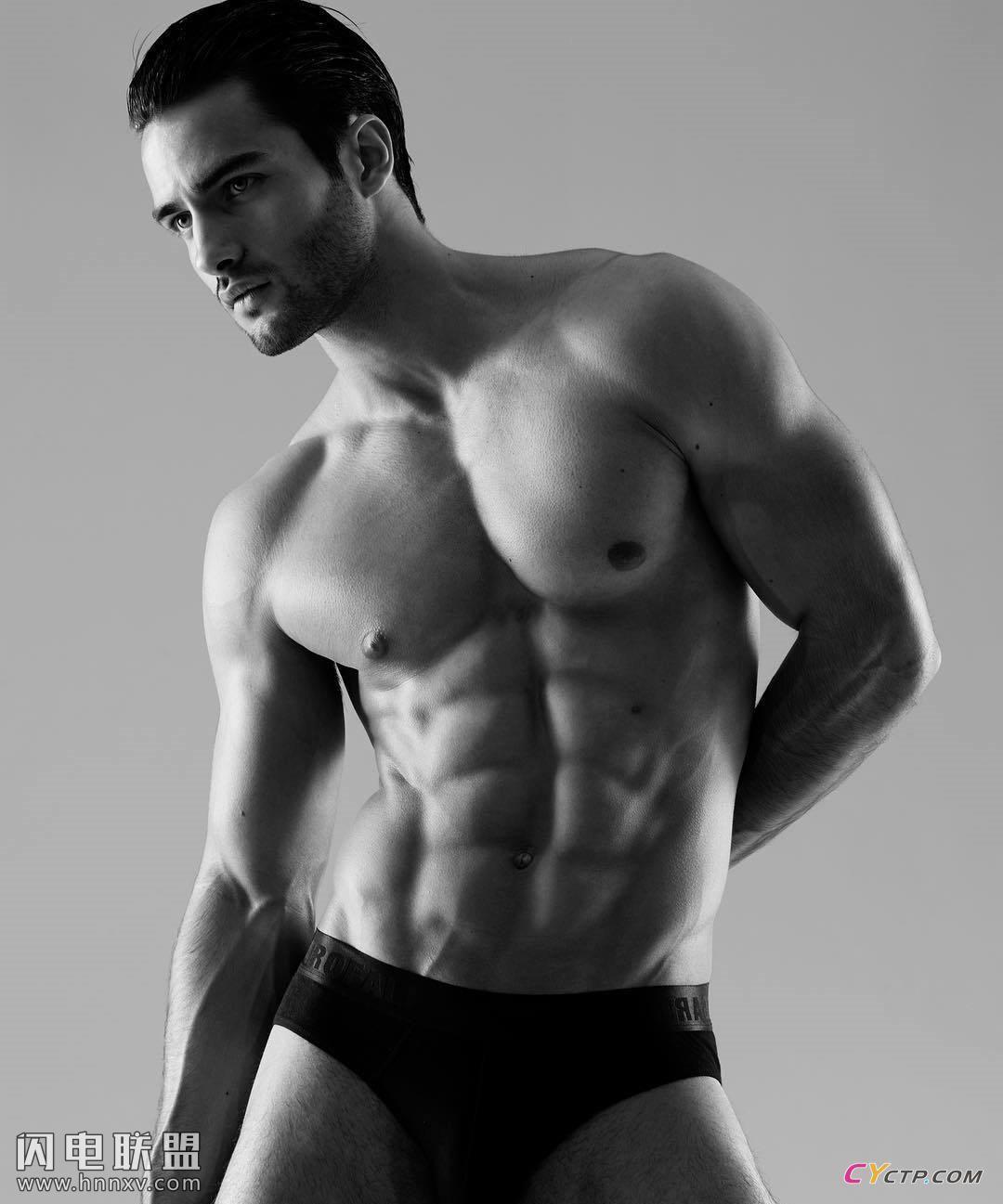 美国肌肉男神腹肌图片第1张