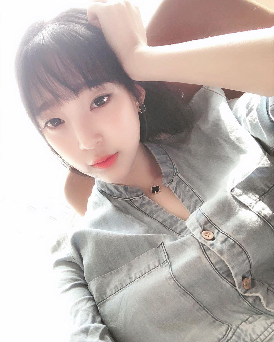 【网红自拍】韩国网红童颜巨乳Ebichu姜仁卿(ins:inkyung97)