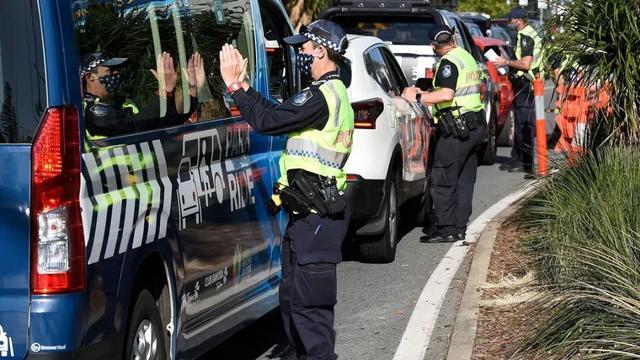 澳洲昆州高级警察知法犯法,疫情期间帮女儿违规穿越边境