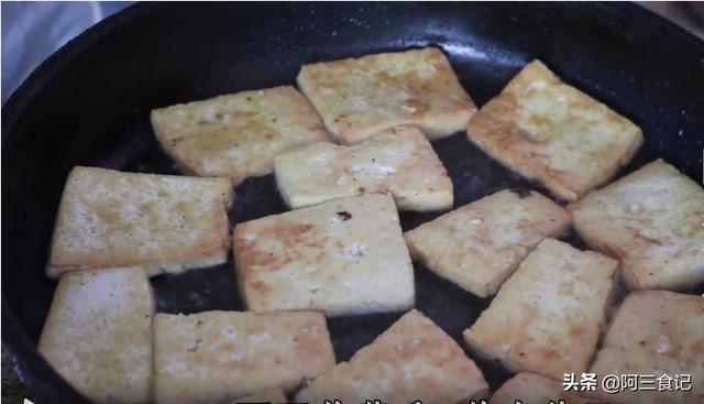 冬天我家最愛吃的一鍋炖,搭配4種食材,營養又解饞,出鍋就掃光