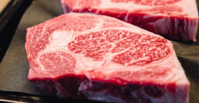 美国支持澳洲对抗中国?假的!抢走牛肉市场,盟友就是拿来蒙骗的