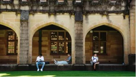 先返澳再打加强针!悉尼多所大学计划让中国留学生打TGA批准疫苗