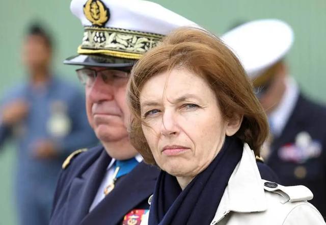 丢600亿!美卖核潜艇给澳洲,与法国翻脸?水很深,不要被误导