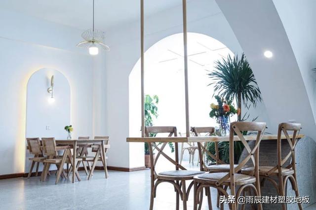 地板决定餐厅环境,氛围真的很不一样
