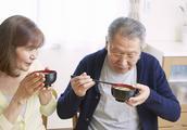 """日本平均寿命预期84岁?调查9万日本人饮食:""""七多吃一少吃"""""""