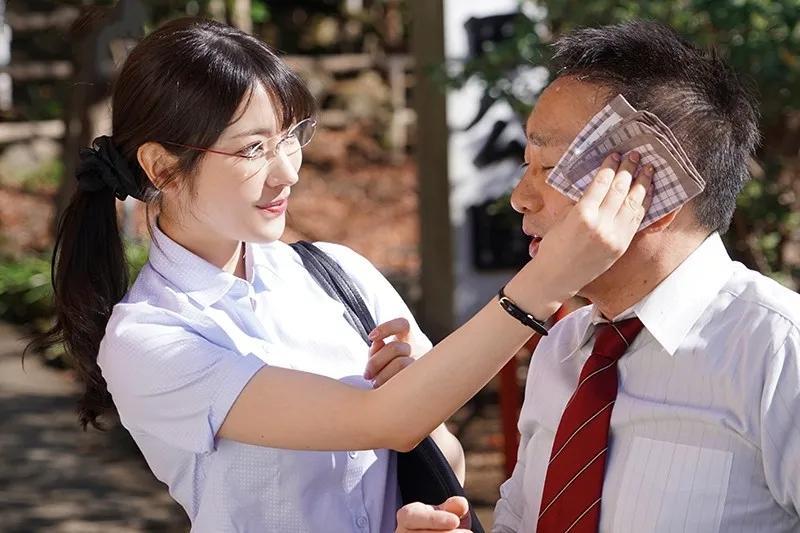 IPX-658枫花恋(枫可怜)来感受一下眼镜枫的魅力