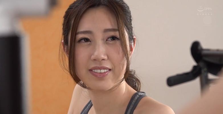 JUL-582笹原可怜(笹原カレン)新作,在健身馆的快乐