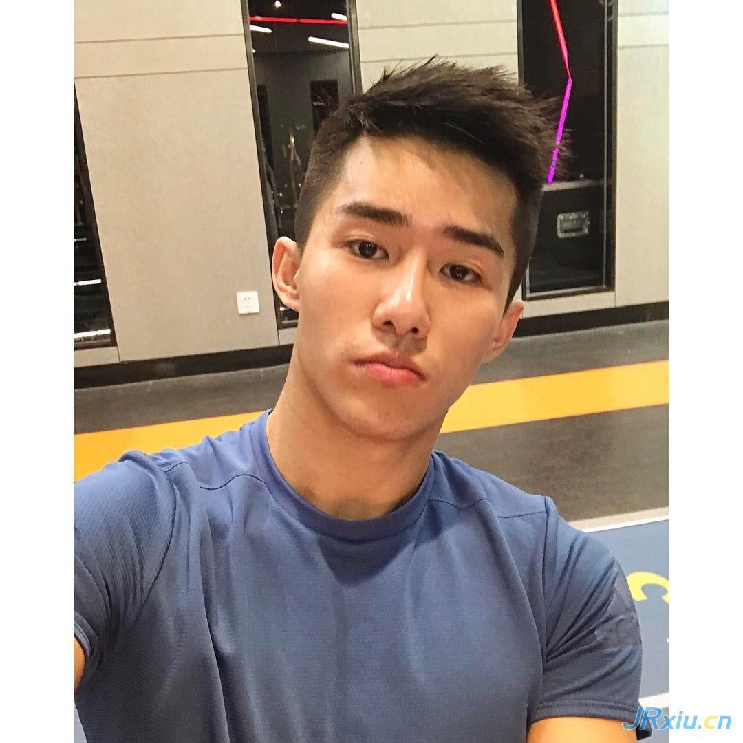 国产健身男模肌肉帅哥上海帅哥胡晓鹏