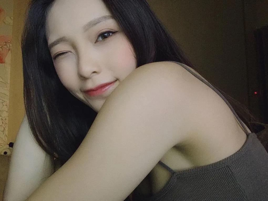 台湾气质正妹李芷霖