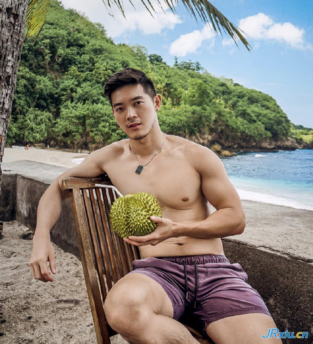 印度尼西亚阳光肌肉胡渣帅哥leezhelong