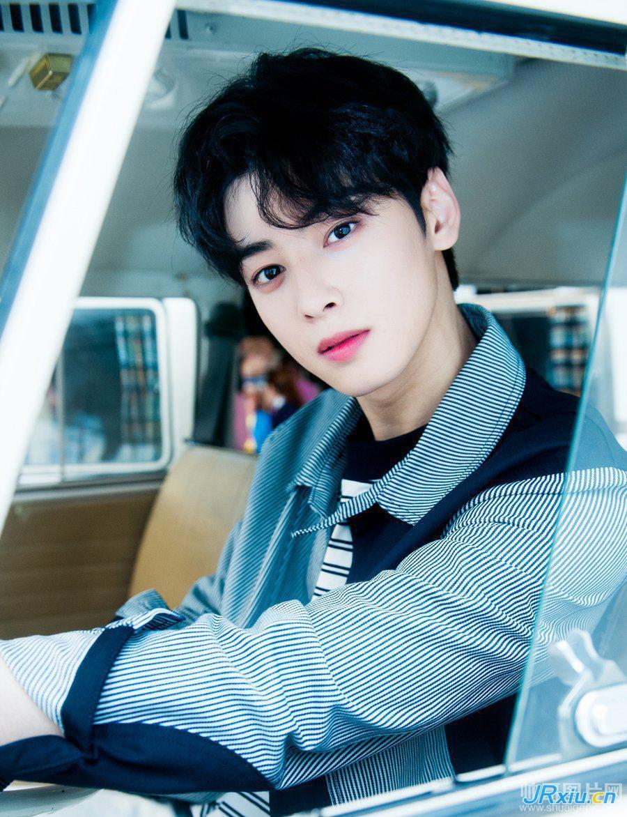 清纯帅气的韩国帅哥车银优高清写真图片