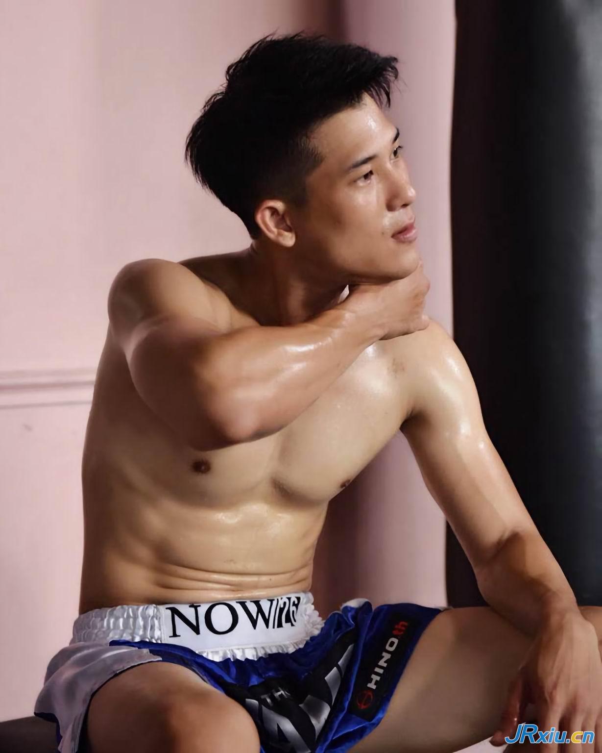 东南亚薄肌肌肉帅哥 泰国轻量级拳击手