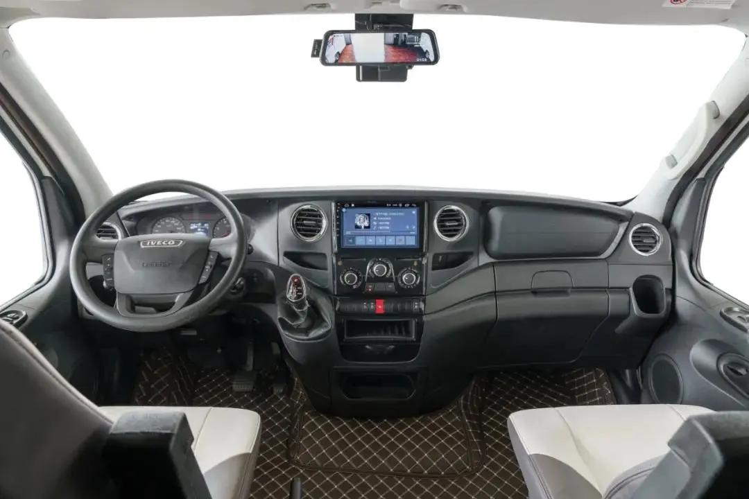 亚特C型家族入门级车型——纪念版Y9 两款超强底盘 精致内饰