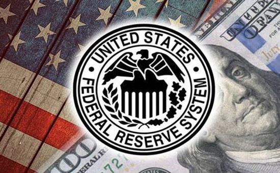通胀飙升的担忧促使美联储改变风向,追求稳定。黄金在1910年以下震荡