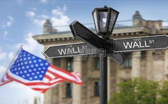 4.4%到4%!高盛再次下调美国今明两年经济增长预期?黄金触及1760年。