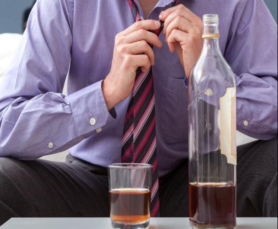怎样才能快速解酒?不是蜂蜜、浓茶,告诉你真正有效的方法
