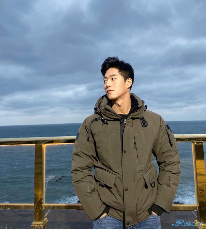 韩国自由职业健身肌肉男模小哥Lee JongChan