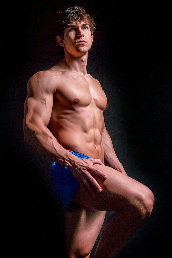美国肌肉帅哥健身男模Abel Albonetti