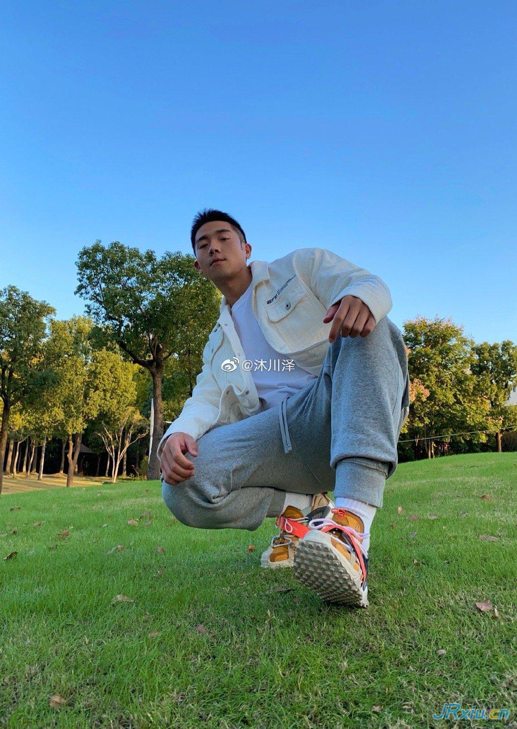 中国国产肌肉帅哥沐川泽 健身肌肉网红帅哥