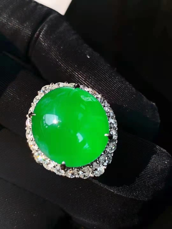 帝王绿戒指要多少钱