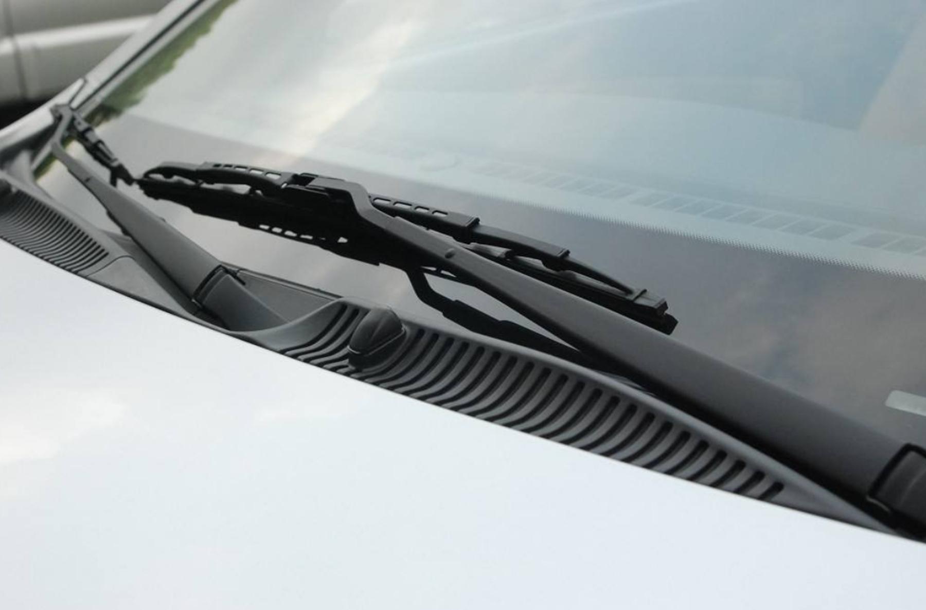 修车技师:时间长了,雨刮器会刮不干净出现噪音,用这3招能解决
