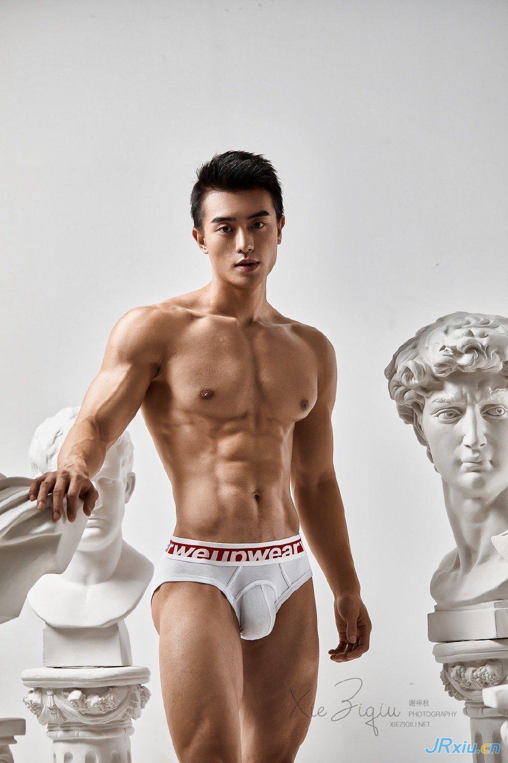 谢梓秋作品:身材很棒的国产肌肉帅哥健身男模