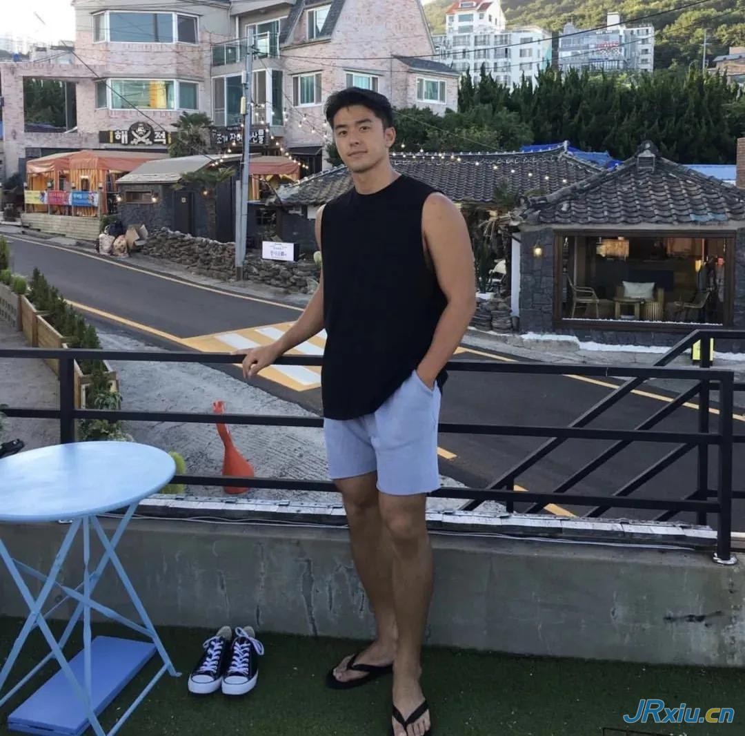 身高186cm的大长腿高颜值国产肌肉帅哥男模