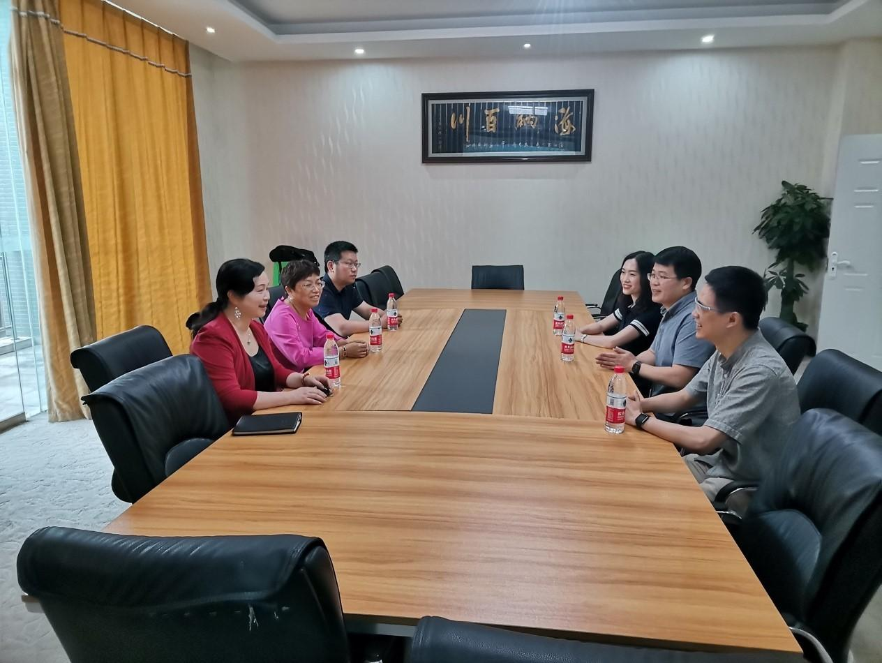 合作双赢谱新篇 我司与重庆移通学院校企合作签约