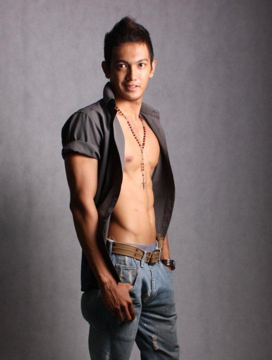 印尼肌肉男模Dave Swat 东南亚肌肉帅哥