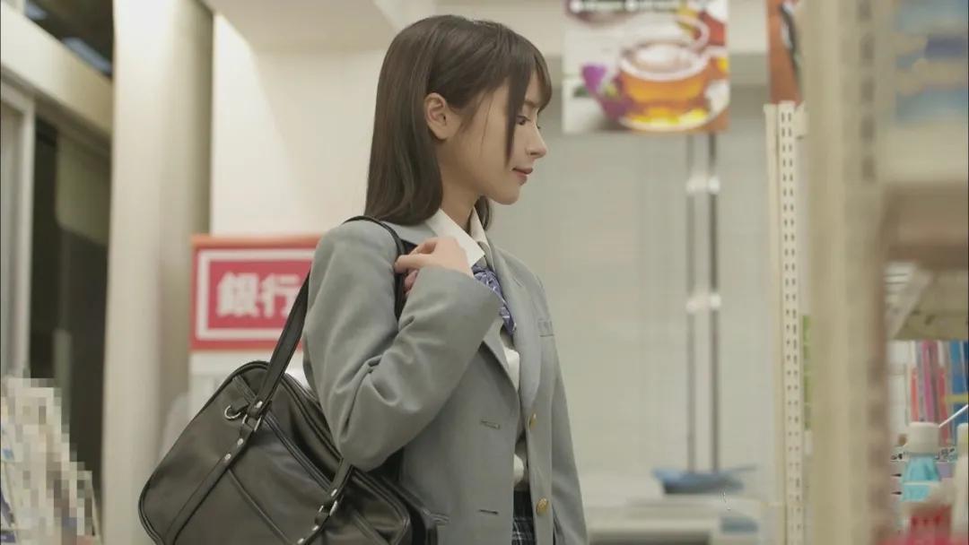 IPX-660便利店偷窃少女桃乃木かな被抓后的故事